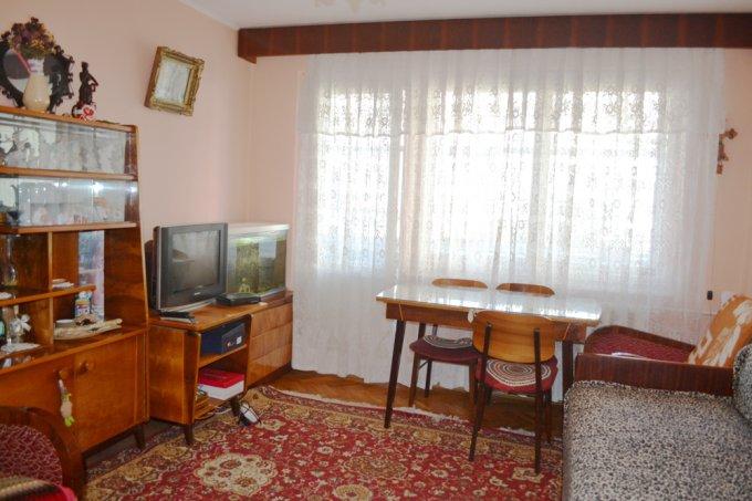 Apartament de vanzare direct de la agentie imobiliara, in Constanta, in zona Tomis 3, cu 47.000 euro negociabil. 1  balcon, 1 grup sanitar, suprafata utila 44 mp.