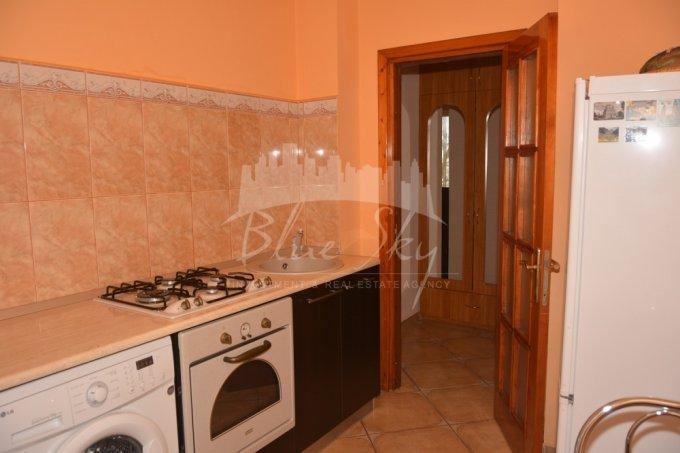 Apartament de inchiriat in Constanta cu 2 camere, cu 1 grup sanitar, suprafata utila 55 mp. Pret: 250 euro negociabil.