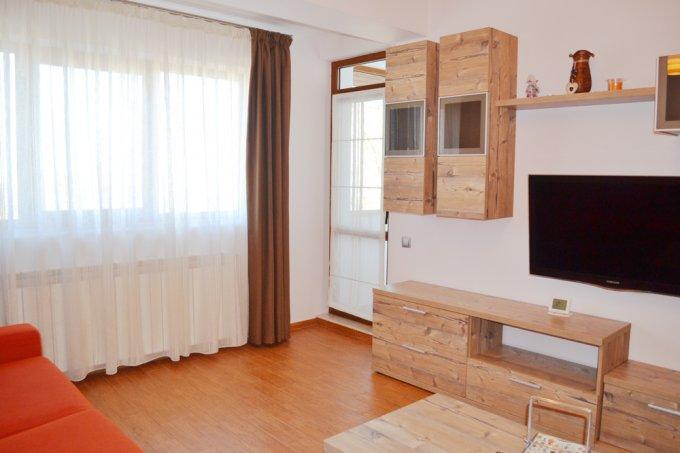 Apartament de inchiriat direct de la agentie imobiliara, in Constanta, in zona Institutul de Marina, cu 250 euro negociabil. 2  balcoane, 1 grup sanitar, suprafata utila 50 mp. Mobilat modern.
