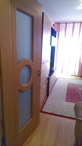 Apartament de inchiriat direct de la agentie imobiliara, in Constanta, in zona Tomis Nord, cu 220 euro. 1  balcon, 1 grup sanitar, suprafata utila 49 mp.
