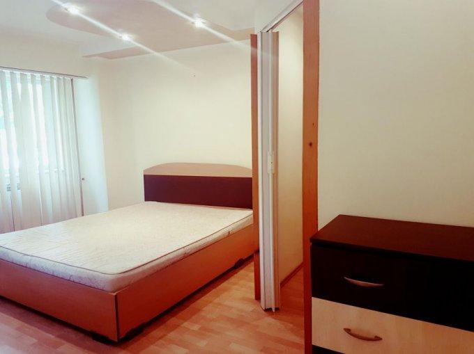 Apartament de vanzare in Constanta cu 2 camere, cu 11 grupuri sanitare, suprafata utila 52 mp. Pret: 52.000 euro negociabil. Usa intrare: Metal. Usi interioare: Lemn.