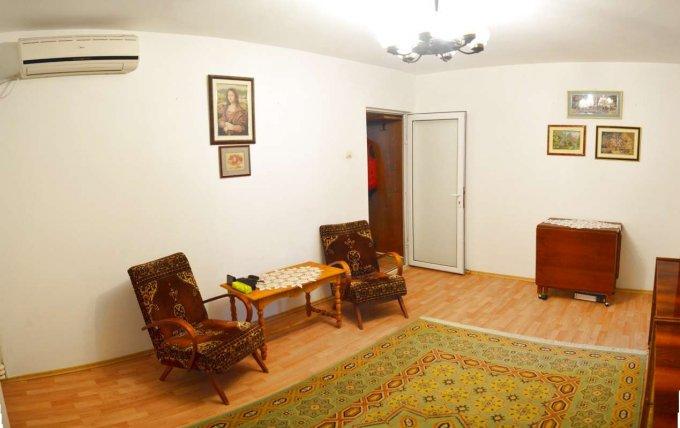 Apartament vanzare Inel 1 cu 2 camere, etajul 3 / 4, 1 grup sanitar, cu suprafata de 42 mp. Constanta, zona Inel 1.