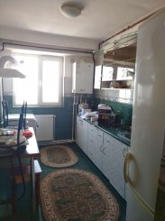 vanzare apartament cu 2 camere, decomandat, in zona Dorally, orasul Constanta