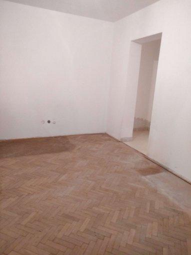 Apartament vanzare Tomis 1 cu 2 camere, etajul 2 / 4, 1 grup sanitar, cu suprafata de 46 mp. Constanta, zona Tomis 1.
