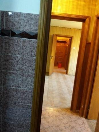 Apartament vanzare Tomis 3 cu 2 camere, etajul 5, 1 grup sanitar, cu suprafata de 50 mp. Constanta, zona Tomis 3.