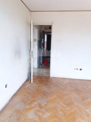 Apartament de vanzare direct de la agentie imobiliara, in Constanta, in zona Tomis 1, cu 58.000 euro negociabil. 1 grup sanitar, suprafata utila 55 mp.