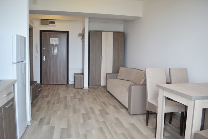 Apartament inchiriere Statiunea Mamaia cu 2 camere, etajul 4 / 8, 1 grup sanitar, cu suprafata de 38.5 mp. Constanta, zona Statiunea Mamaia. Mobilat modern.