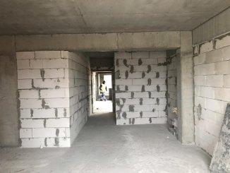 vanzare apartament semidecomandat, zona Statiunea Mamaia, orasul Constanta, suprafata utila 53 mp