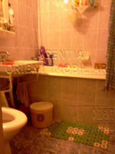 Apartament vanzare Tomis Nord cu 2 camere, etajul 3 / 4, 1 grup sanitar, cu suprafata de 48 mp. Constanta, zona Tomis Nord.