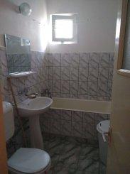 agentie imobiliara vand apartament semidecomandat, in zona Far, orasul Constanta