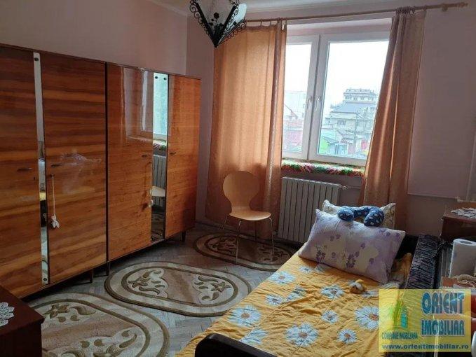 Apartament de vanzare direct de la agentie imobiliara, in Constanta, in zona Tomis 2, cu 59.000 euro negociabil. 1  balcon, 1 grup sanitar, suprafata utila 45 mp.