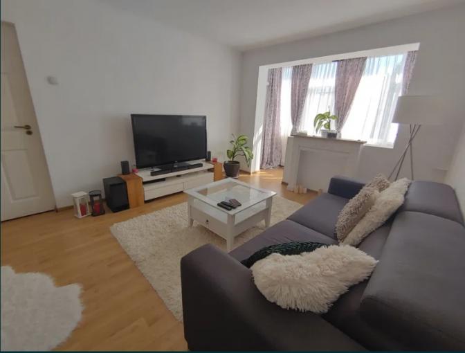 Apartament de vanzare in Constanta cu 2 camere, cu 1 grup sanitar, suprafata utila 52 mp. Pret: 75.000 euro.