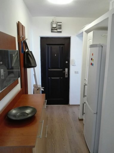 Apartament vanzare Tomis Nord cu 2 camere, etajul 4, 1 grup sanitar, cu suprafata de 38 mp. Constanta, zona Tomis Nord.