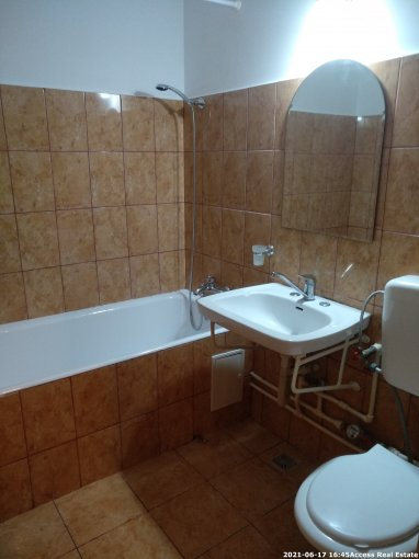 Apartament de vanzare in Constanta cu 2 camere, cu 1 grup sanitar, suprafata utila 45 mp. Pret: 70.000 euro negociabil. Usa intrare: Metal. Usi interioare: Panel.