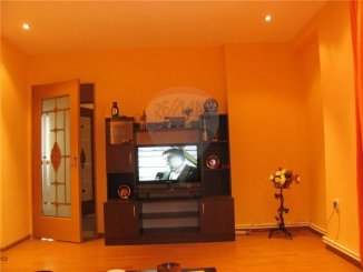 Apartament cu 2 camere de vanzare, confort 1, zona Central,  Medgidia Constanta