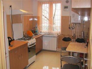 vanzare apartament cu 2 camere, decomandata, in zona Central, orasul Medgidia