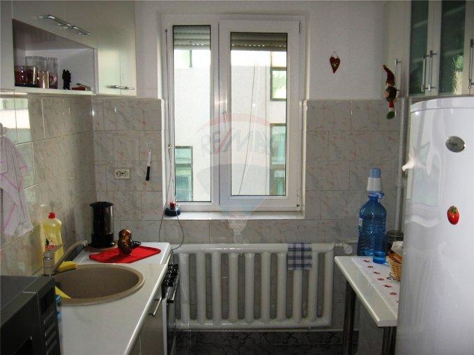 vanzare apartament semidecomandata, zona Ultracentral, orasul Constanta, suprafata utila 48 mp