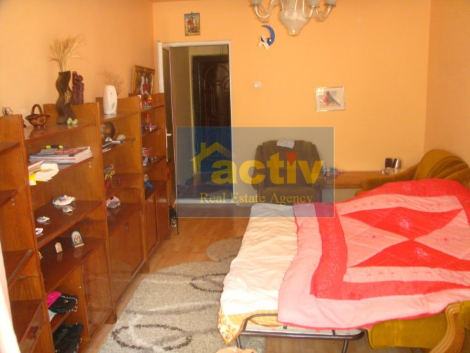agentie imobiliara vand apartament decomandata, in zona Tomis 3, orasul Constanta
