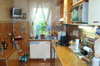 Apartament cu 2 camere de vanzare, confort 1, zona Peninsula,  Constanta