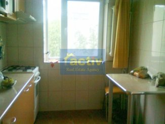 agentie imobiliara vand apartament semidecomandat, in zona Dacia, orasul Constanta