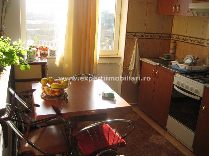 agentie imobiliara vand apartament semidecomandat, in zona Piata Ovidiu, orasul Constanta