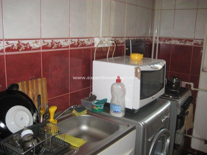 agentie imobiliara vand apartament semidecomandat-circular, in zona Pod Butelii, orasul Constanta