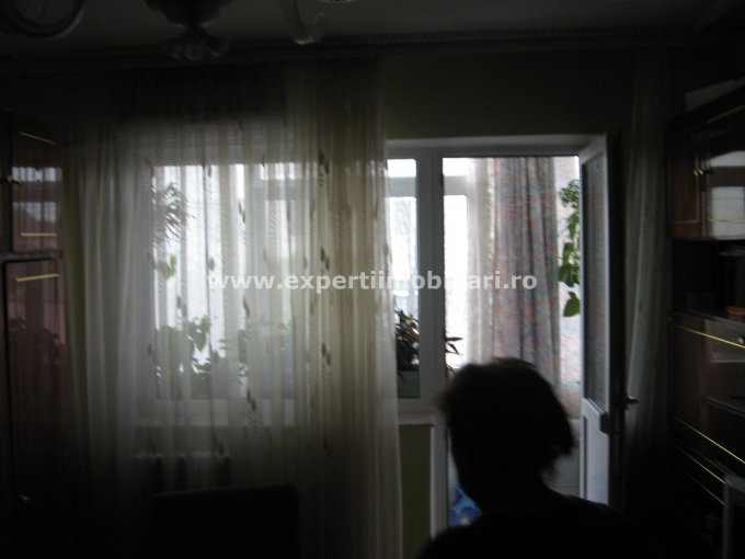vanzare apartament cu 2 camere, semidecomandat, in zona Casa de Cultura, orasul Constanta