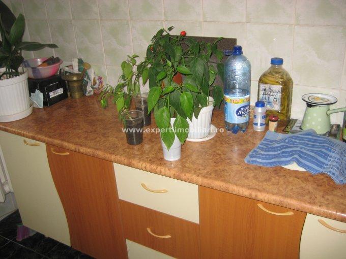 Apartament cu 2 camere de vanzare, confort 1, zona Poarta 6,  Constanta