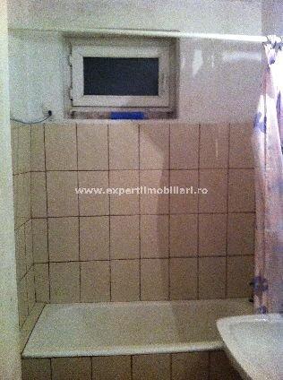 agentie imobiliara vand apartament semidecomandat-circular, in zona Delfinariu, orasul Constanta