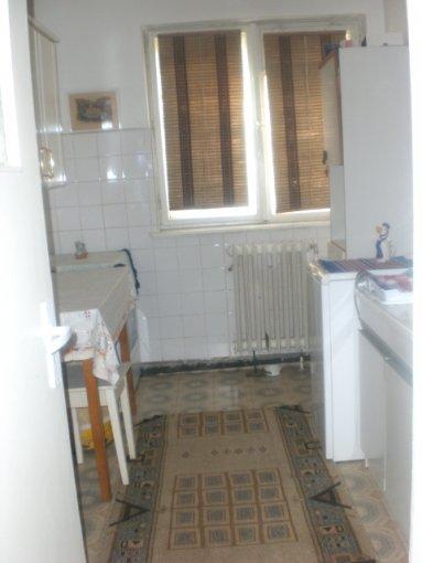 vanzare apartament semidecomandat-circular, zona Far, orasul Constanta, suprafata utila 46 mp