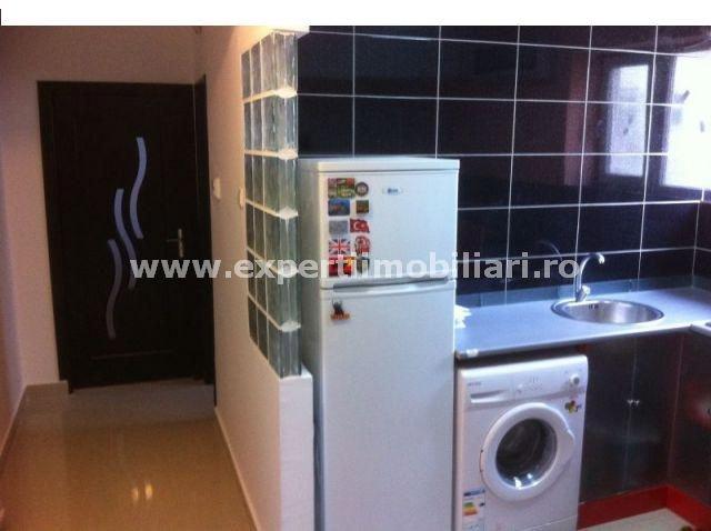 Apartament cu 2 camere de vanzare, confort 1, zona Centru,  Constanta