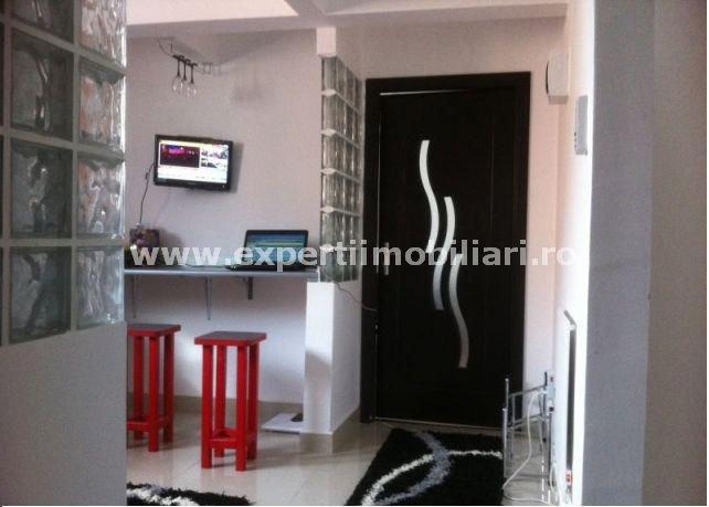 agentie imobiliara vand apartament decomandat, in zona Centru, orasul Constanta
