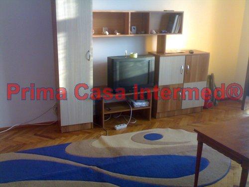 Apartament inchiriere Bratianu cu 2 camere, etajul 8 / 10, 1 grup sanitar, cu suprafata de 50 mp. Constanta, zona Bratianu. Mobilat modern.