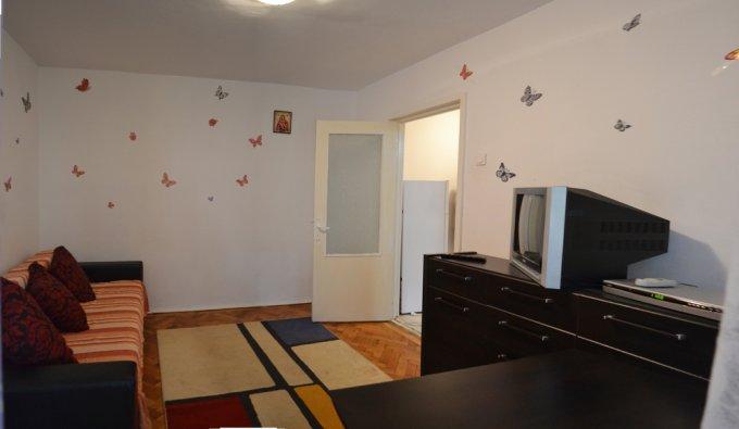 Apartament de inchiriat in Constanta cu 2 camere, cu 1 grup sanitar, suprafata utila 41 mp. Pret: 200 euro. Usa intrare: Metal. Usi interioare: Panel. Mobilat modern.