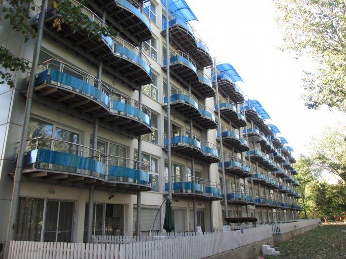 Apartament vanzare Centru cu 2 camere, etajul 3, 1 grup sanitar, cu suprafata de 30 mp. Saturn, zona Centru.