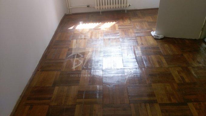Apartament vanzare Casa de Cultura cu 2 camere, etajul 1, 1 grup sanitar, cu suprafata de 50 mp. Constanta, zona Casa de Cultura.