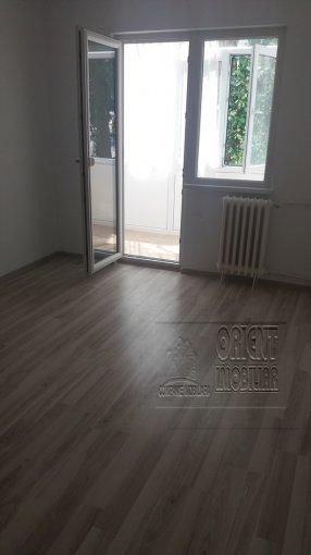 Apartament de vanzare in Constanta cu 2 camere, cu 1 grup sanitar, suprafata utila 42 mp. Pret: 43.000 euro. Usa intrare: Metal.