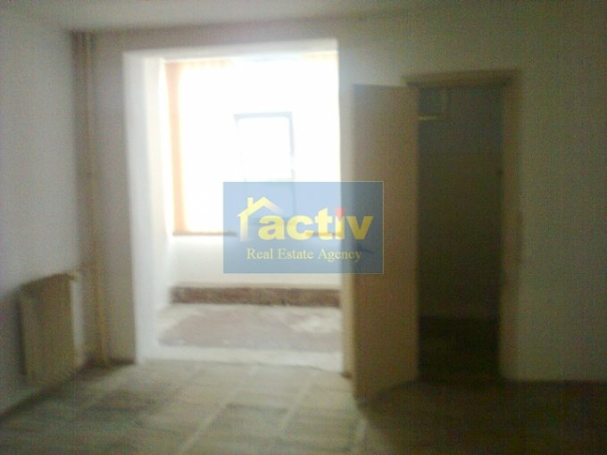Apartament cu 2 camere de vanzare, confort 2, zona Billa,  Constanta