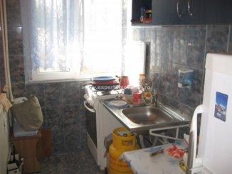 agentie imobiliara vand apartament semidecomandat, in zona Tomis 3, orasul Constanta