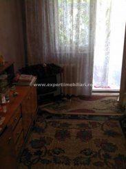 vanzare apartament semidecomandat-circular, zona Groapa, orasul Constanta, suprafata utila 40 mp