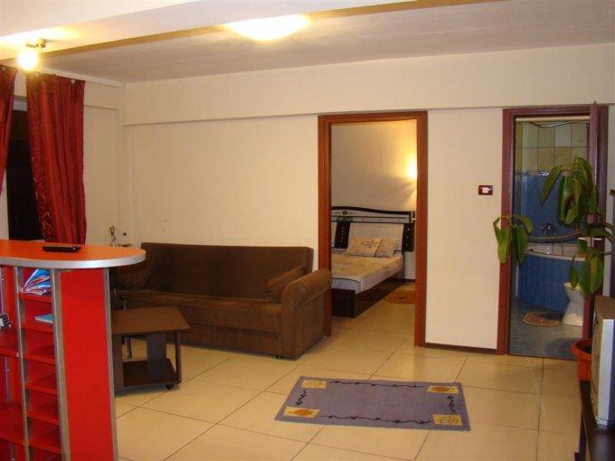 agentie imobiliara inchiriez apartament nedecomandat, in zona Piata Ovidiu, orasul Constanta