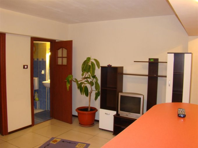 Apartament cu 2 camere de inchiriat, confort 2, zona Piata Ovidiu,  Constanta