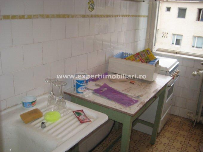 vanzare apartament semidecomandat, zona Casa de Cultura, orasul Constanta, suprafata utila 40 mp