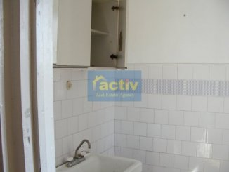 Apartament cu 2 camere de vanzare, confort 3, zona Inel 2,  Constanta