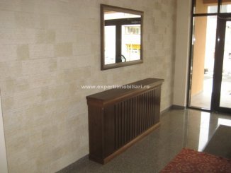 vanzare apartament cu 2 camere, decomandat, in zona City Park Mall, orasul Constanta
