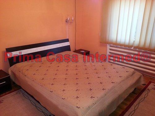 inchiriere Apartament Constanta cu 2 camere, cu 1 grup sanitar, suprafata utila 60 mp. Pret: 250 euro.
