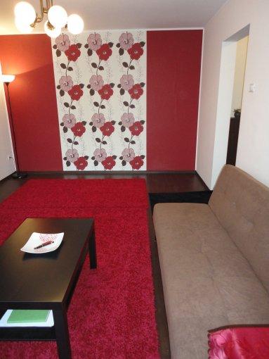 Apartament de inchiriat direct de la proprietar, in Constanta, in zona Tomis 2, cu 375 euro. 1 grup sanitar, suprafata utila 48 mp. Mobilat modern.