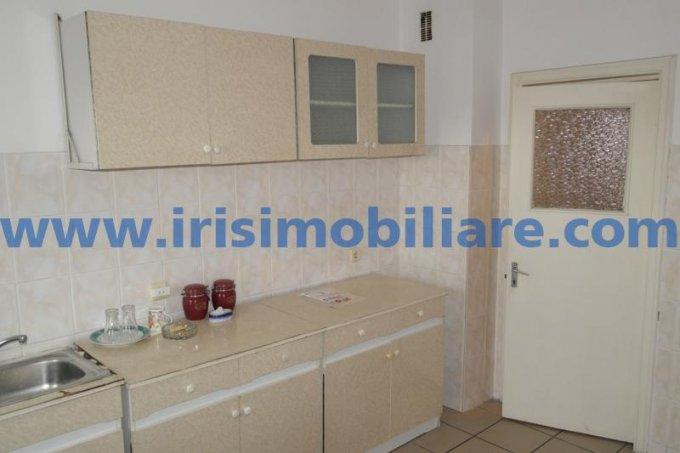 inchiriere apartament cu 2 camere, decomandat, in zona Centru, orasul Constanta