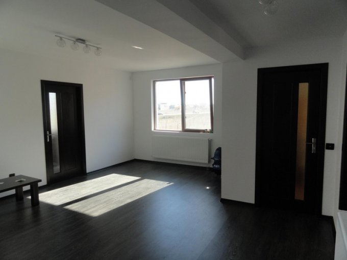 vanzare apartament cu 2 camere, decomandat, localitatea Navodari Tabara