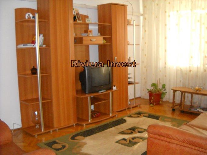 vanzare apartament cu 2 camere, decomandat, in zona Trocadero, orasul Constanta